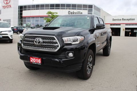 Pre-Owned 2016 Toyota Tacoma TRD Sport With Navigation & 4WD