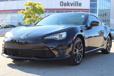 Pre-Owned 2017 Toyota 86 with Rearview Camera RWD 2dr Car