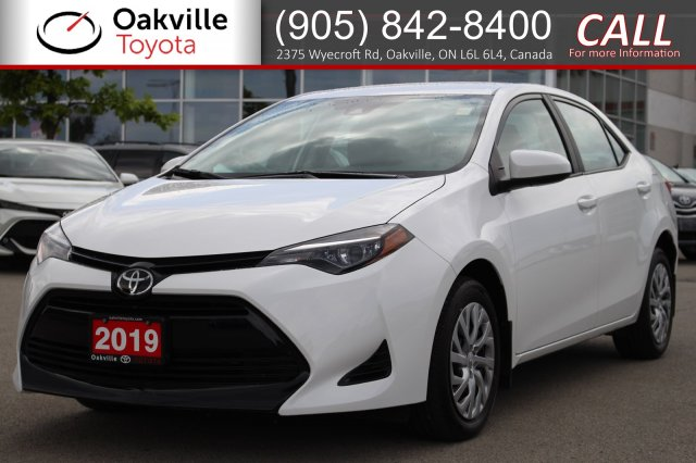 Pre-Owned 2019 Toyota Corolla LE with Clean Carfax and One Owner