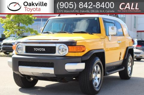 Pre-Owned 2007 Toyota FJ Cruiser 4WD with Clean Carfax